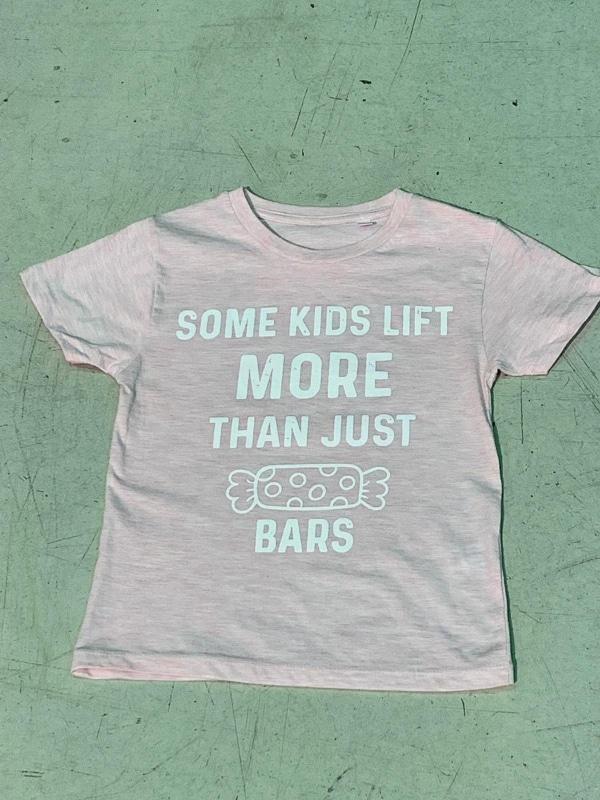some-kids-lift-moer-than-just-candy-bars-pink-hetwodwinkeltje.nl