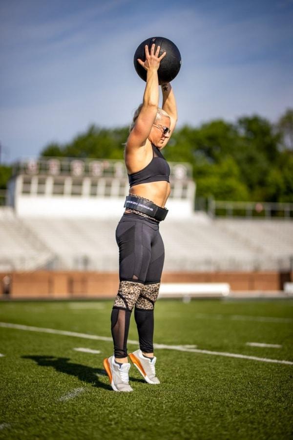 lioness-weightlifting-belt-unbroken-designs-wod-stuff